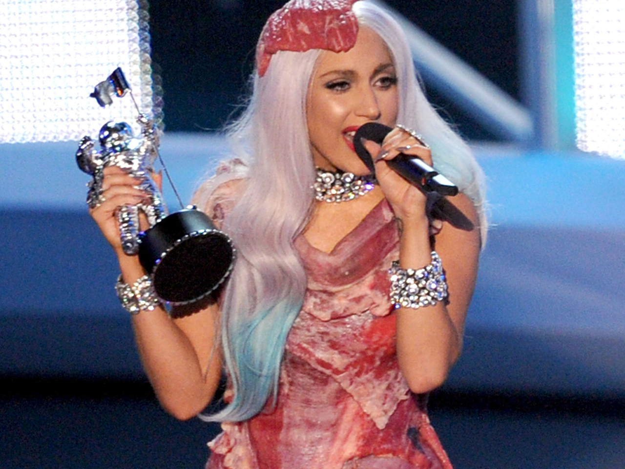 Lady Gaga S Meat Dress Headed For D C Museum Cbs News