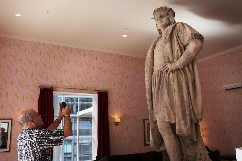 Living Room Exhibit Erected Around Columbus Monument In New York