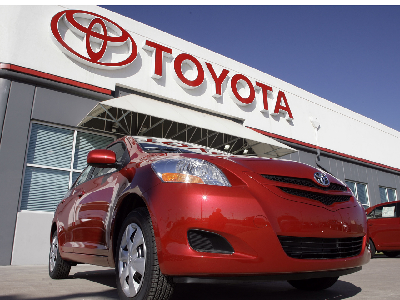 Mive Toyota Recall Due To Faulty Window Switch