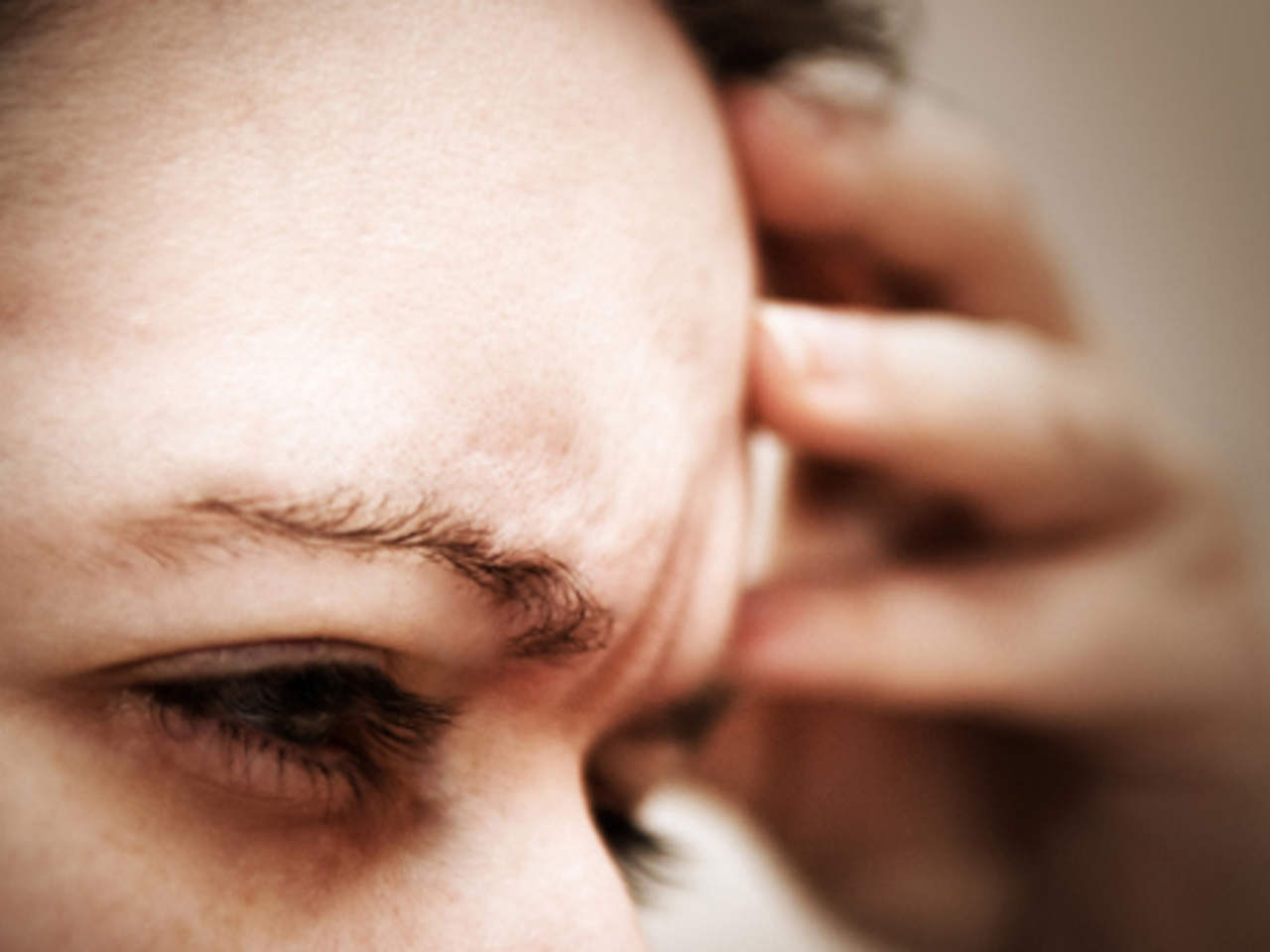Migraines plus depression may equal smaller brain - CBS News