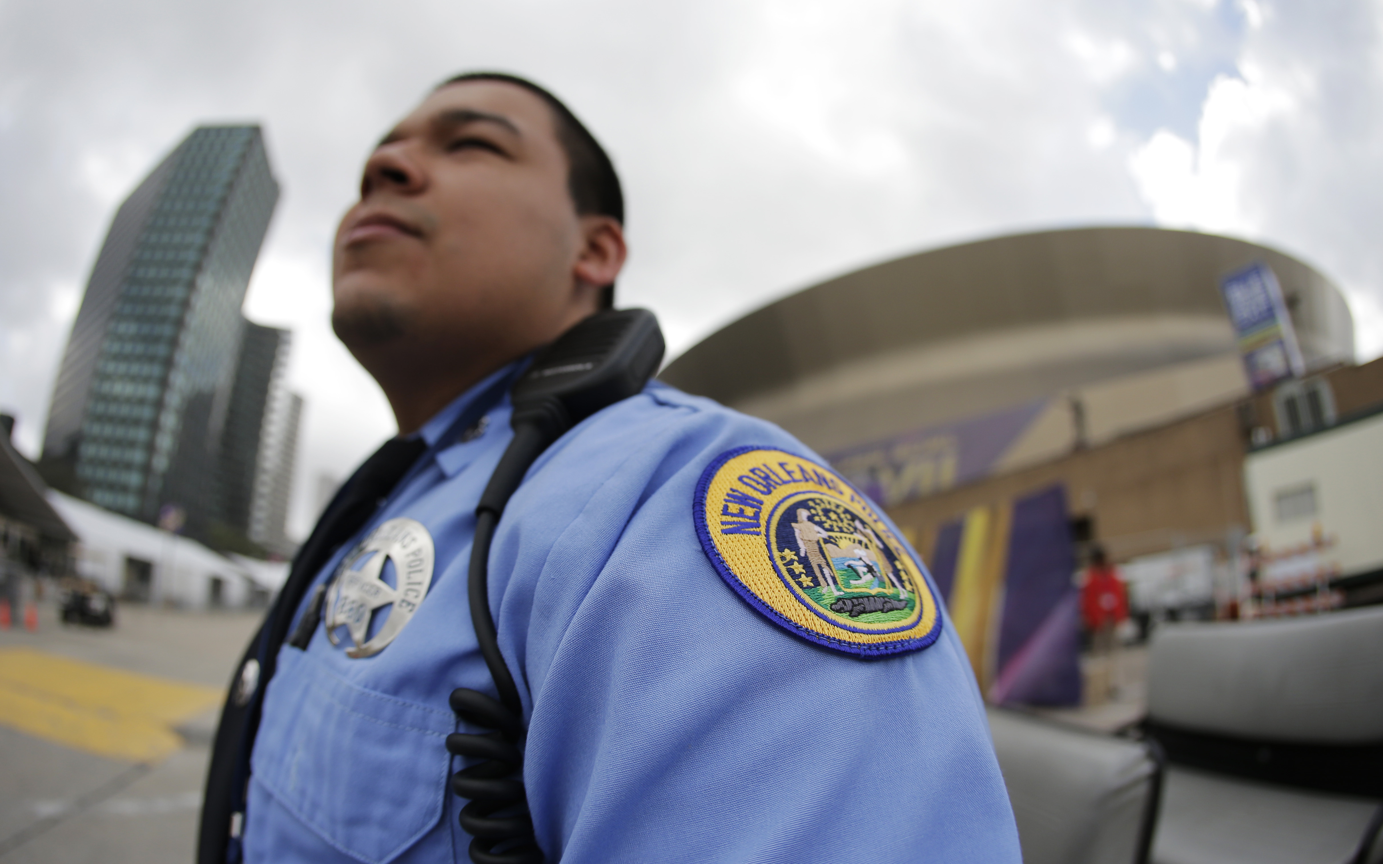 New orleans 39 challenge policing 2 huge parties cbs news for Police orleans