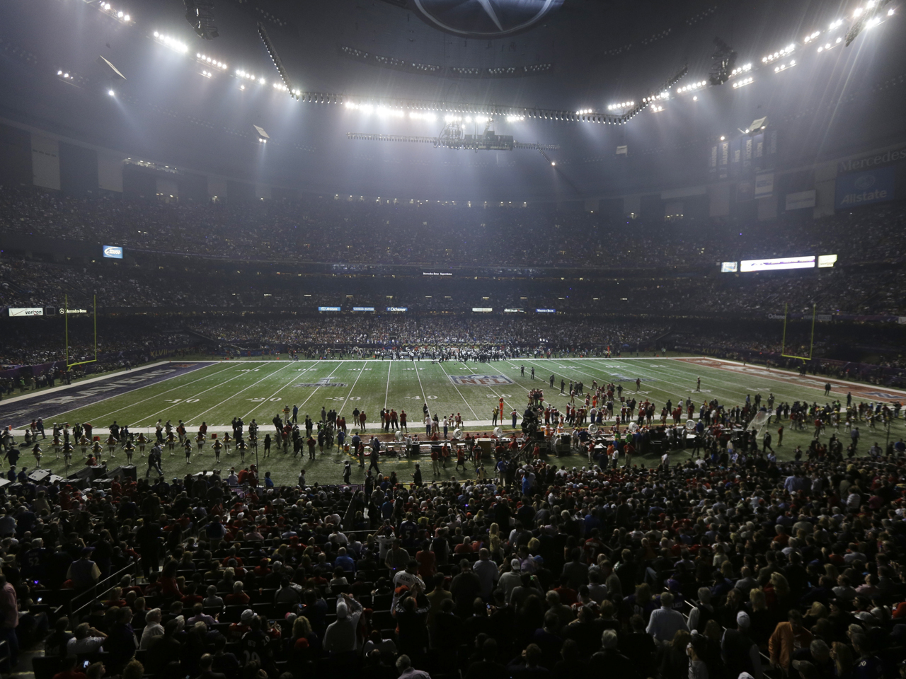Super Bowl power outage: What went wrong? - CBS News