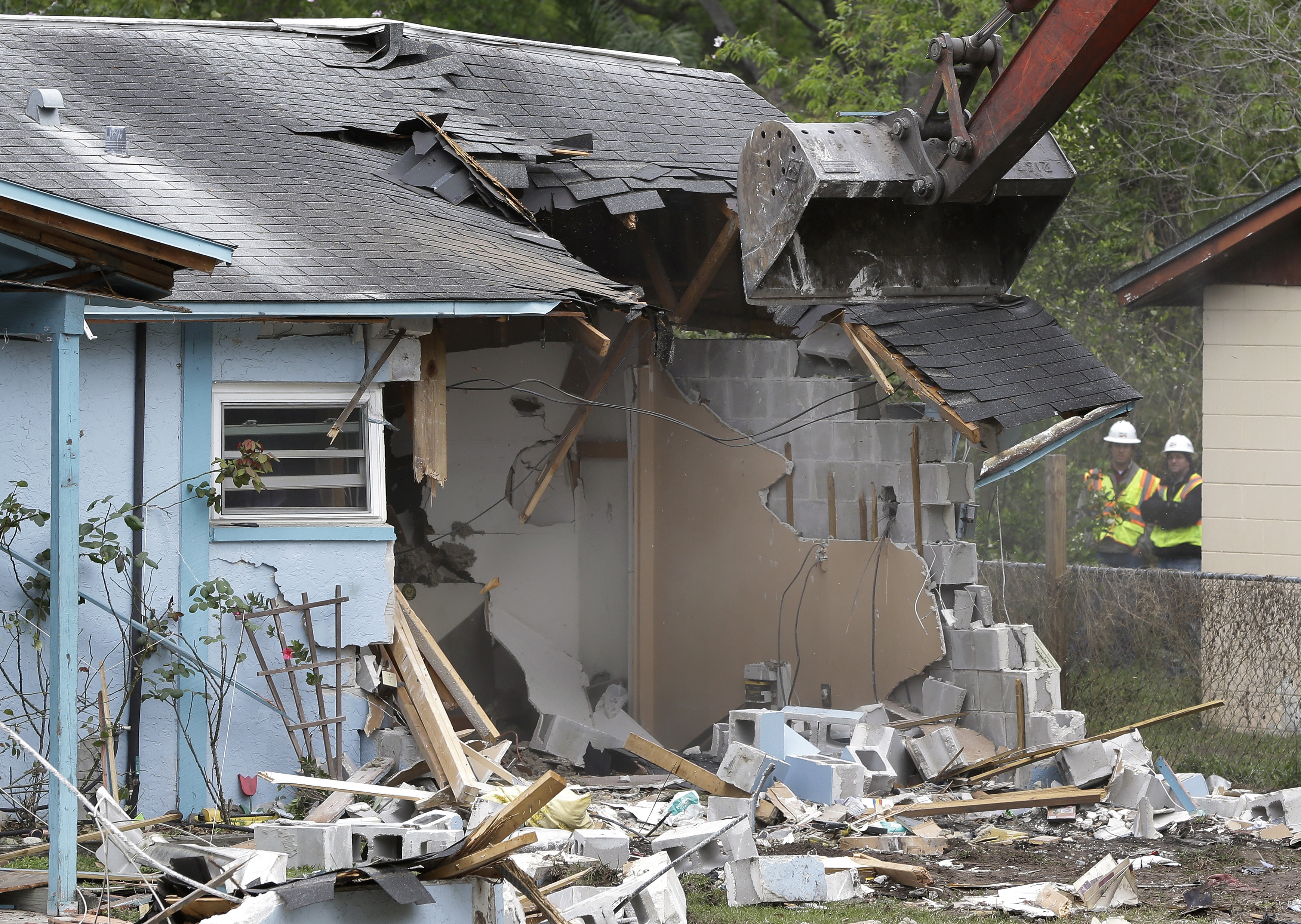 Another Home Evacuated As Florida Sinkhole Season Hits