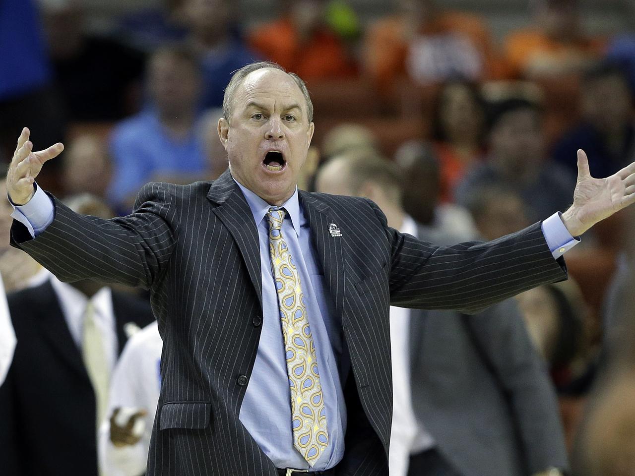 UCLA cans head basketball coach Ben Howland - CBS News