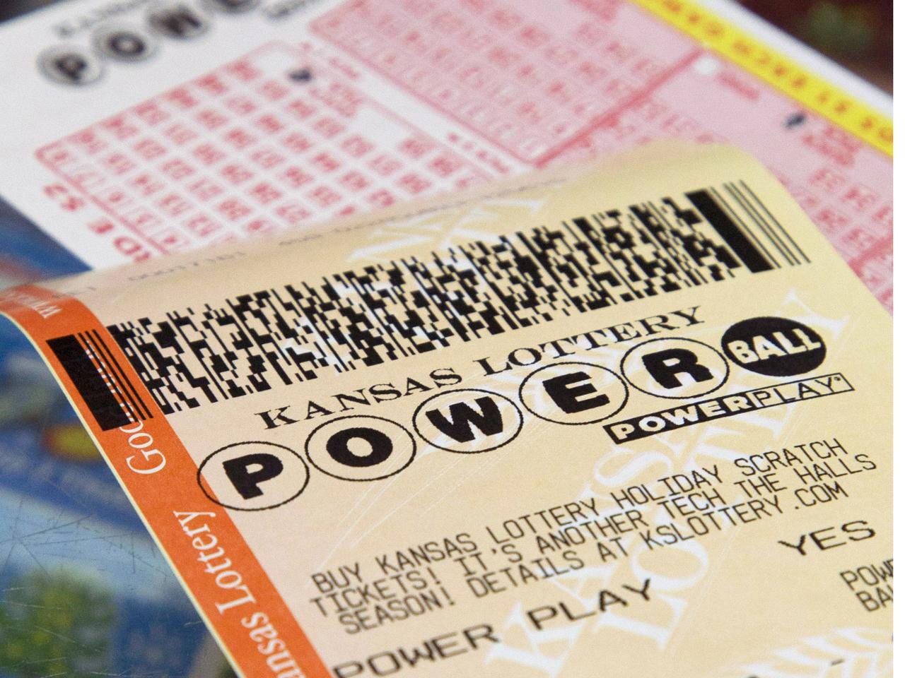 Report N J Trucker Claims He S 338m Powerball Winner Cbs News