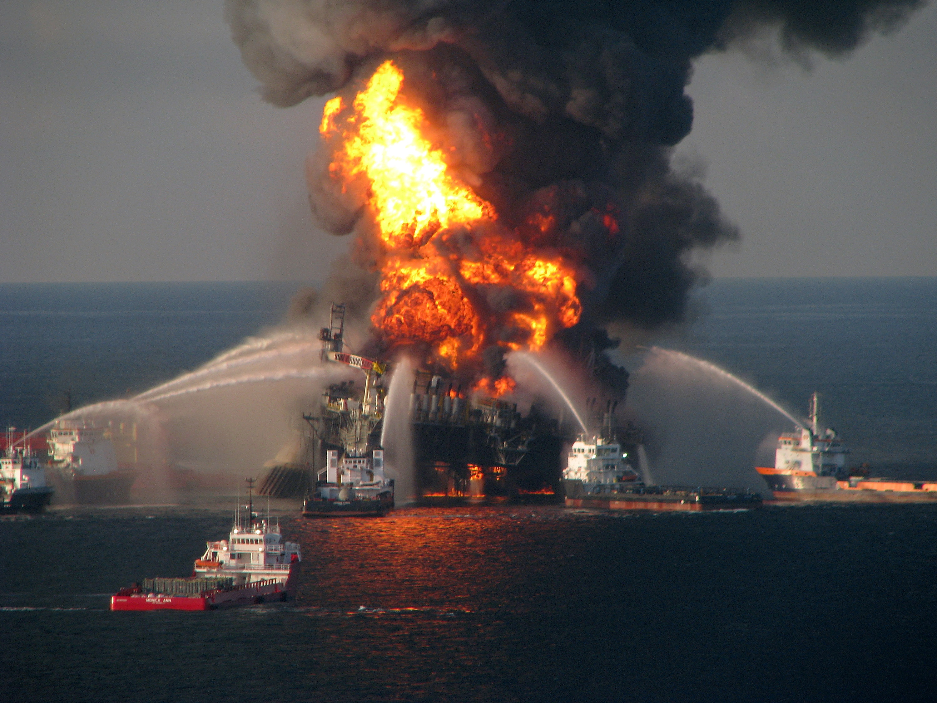 what caused the bp oil spill