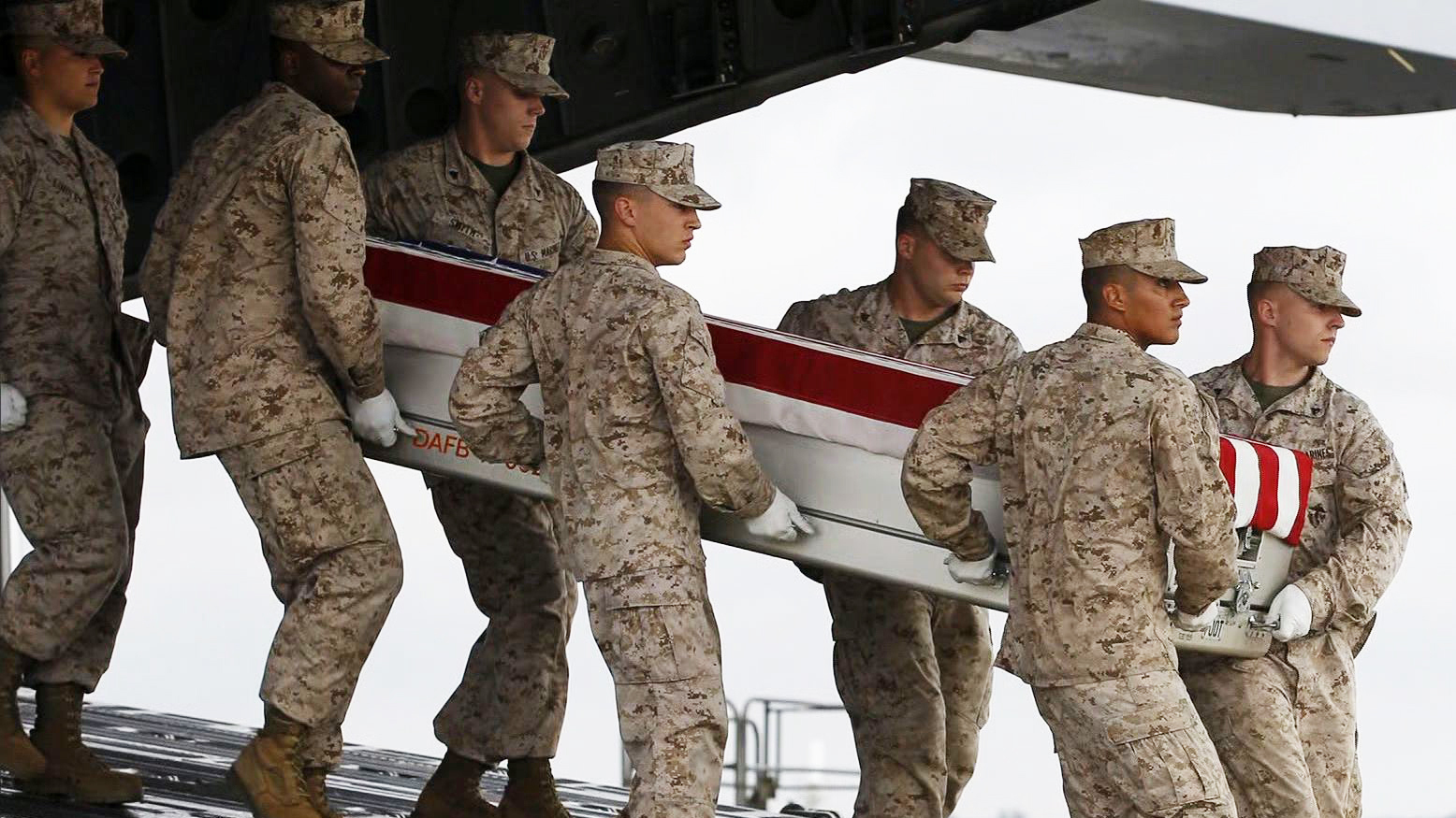 Obama signs bill to pay military death benefits - CBS News