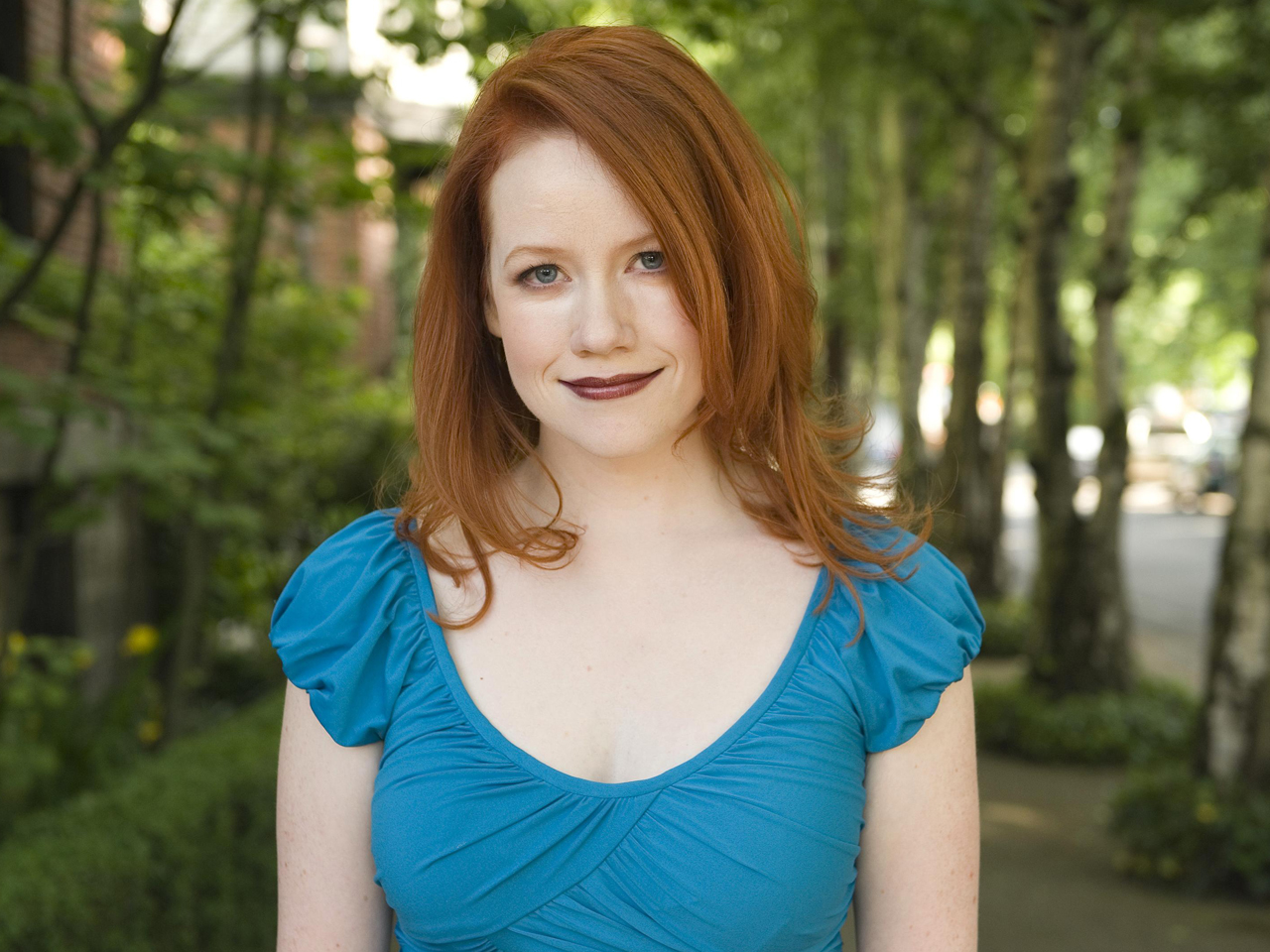 Vampire Academy Author Richelle Mead Weighs In On Film Possible