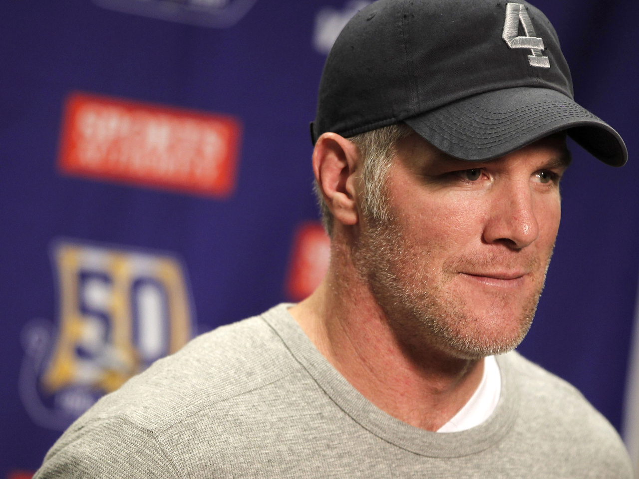 brett favre admits serious memory loss in radio interview cbs news