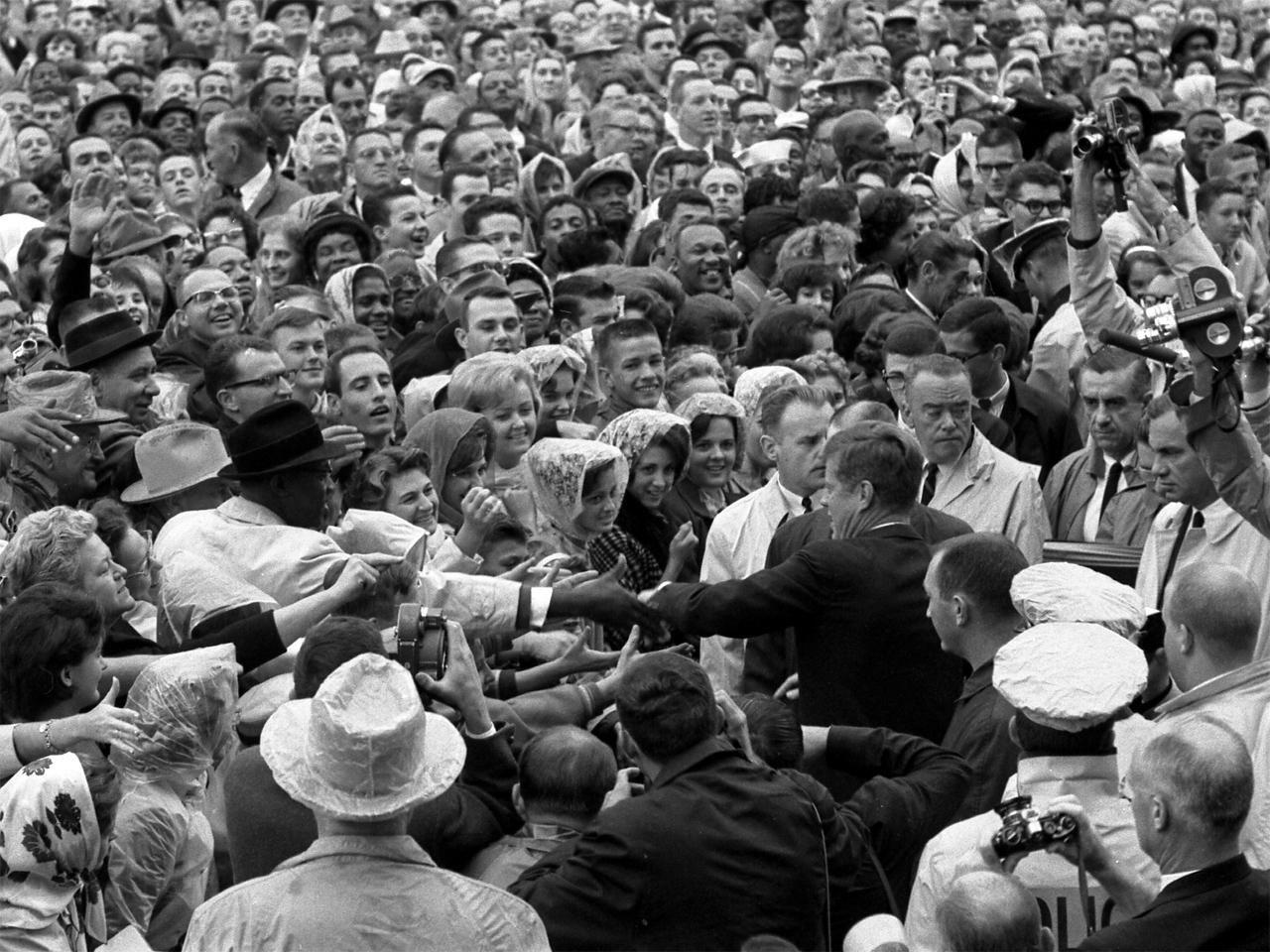 Livestream of CBS' 1963 coverage of JFK assassination - CBS News