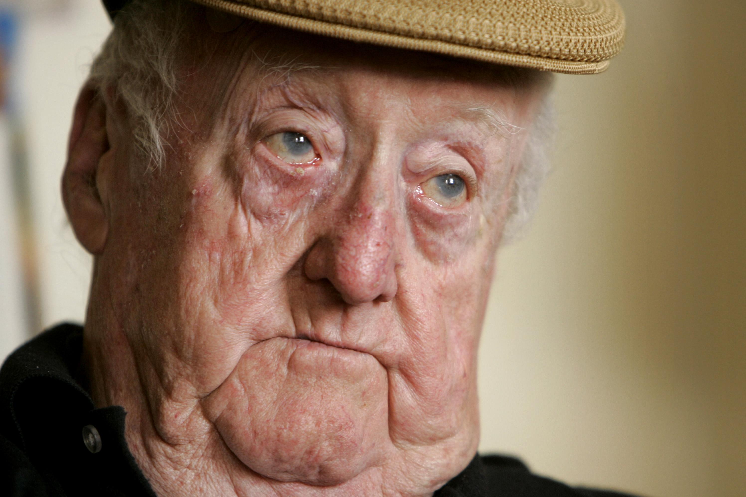 Edward Heffron Of Wwiis Band Of Brotherss At 90