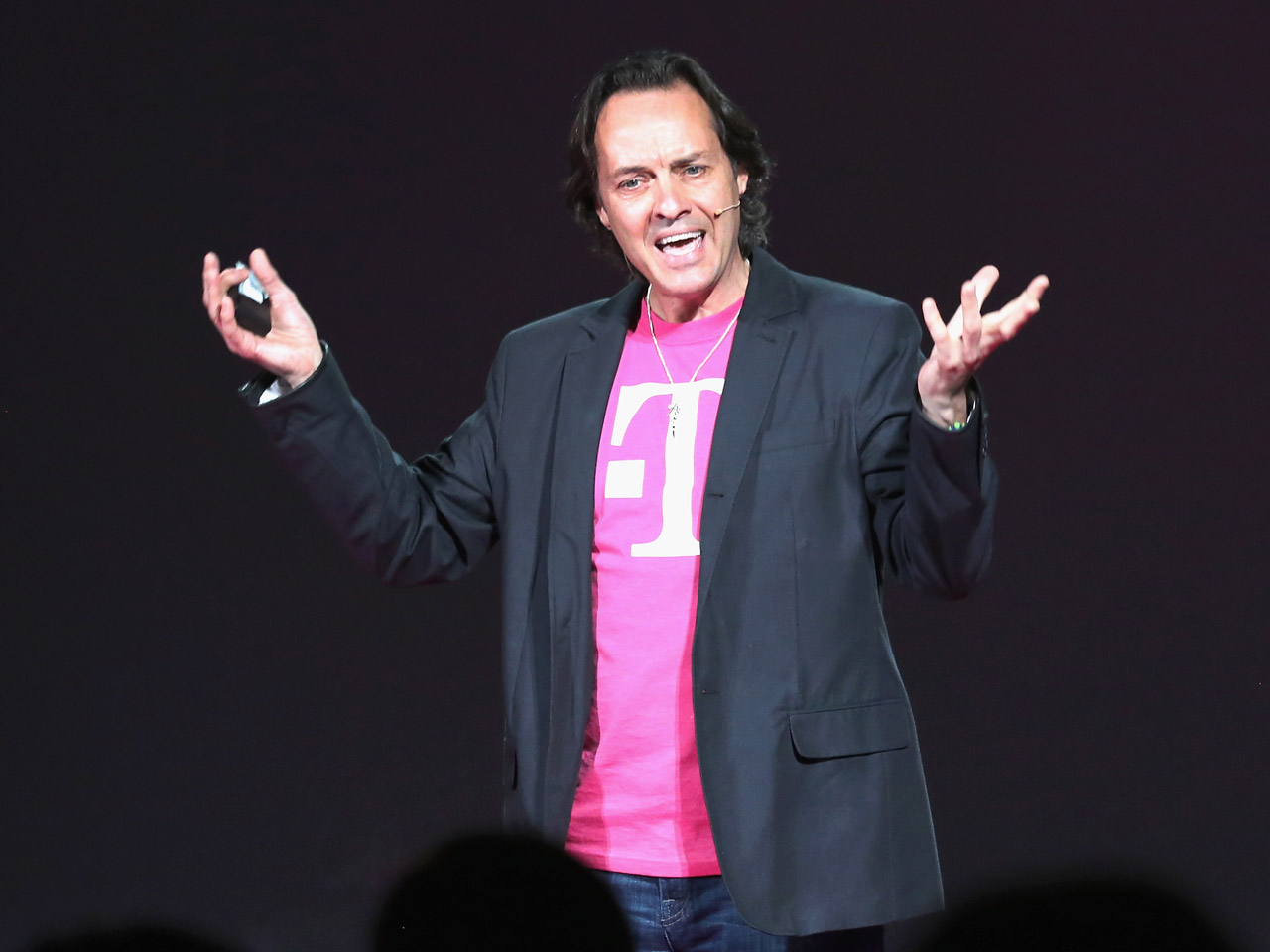 T Mobile Ceo Thrown Out Of At T Party At Ces Cbs News