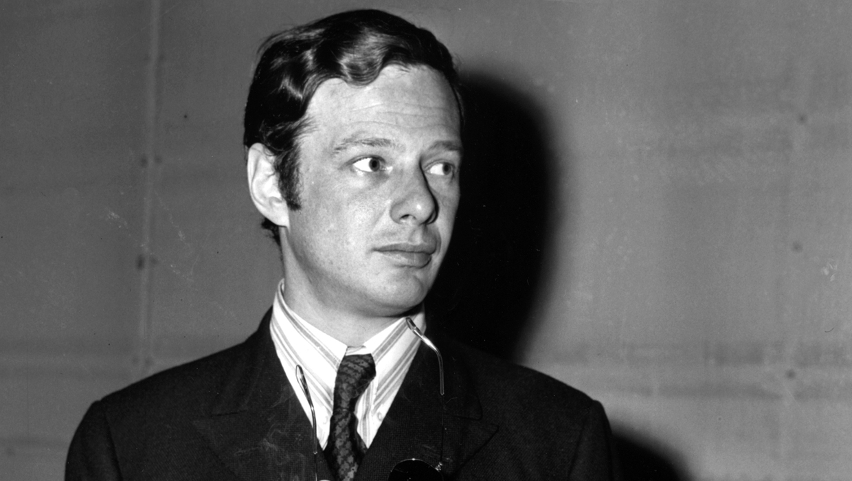 How Brian Epstein discovered the Beatles - CBS News