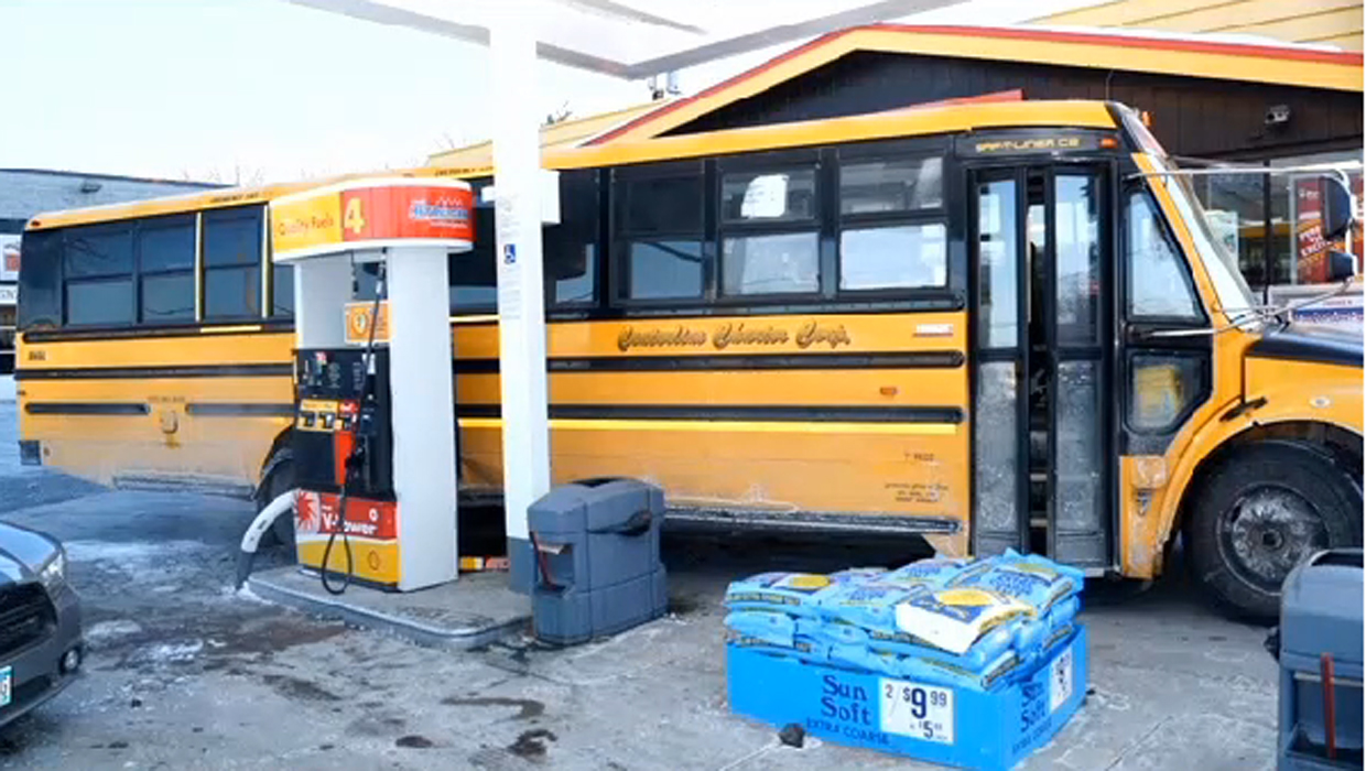 Stop And Shop Gas Station >> Police: Minnesota. boy, 14, arrested after stealing St. Paul school bus - CBS News
