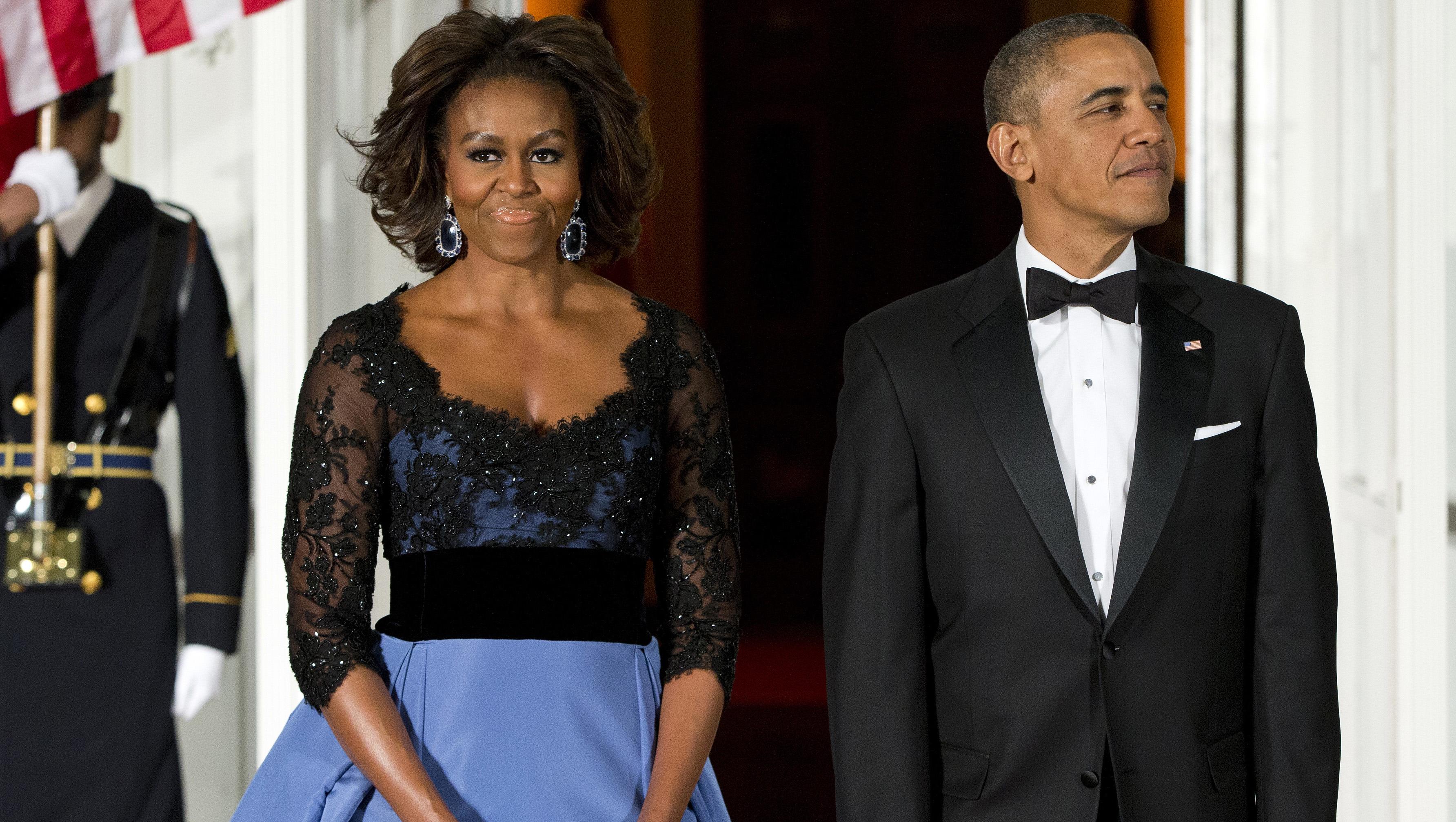 65f0fa0142 Michelle Obama wears Carolina Herrera gown to state dinner - CBS News