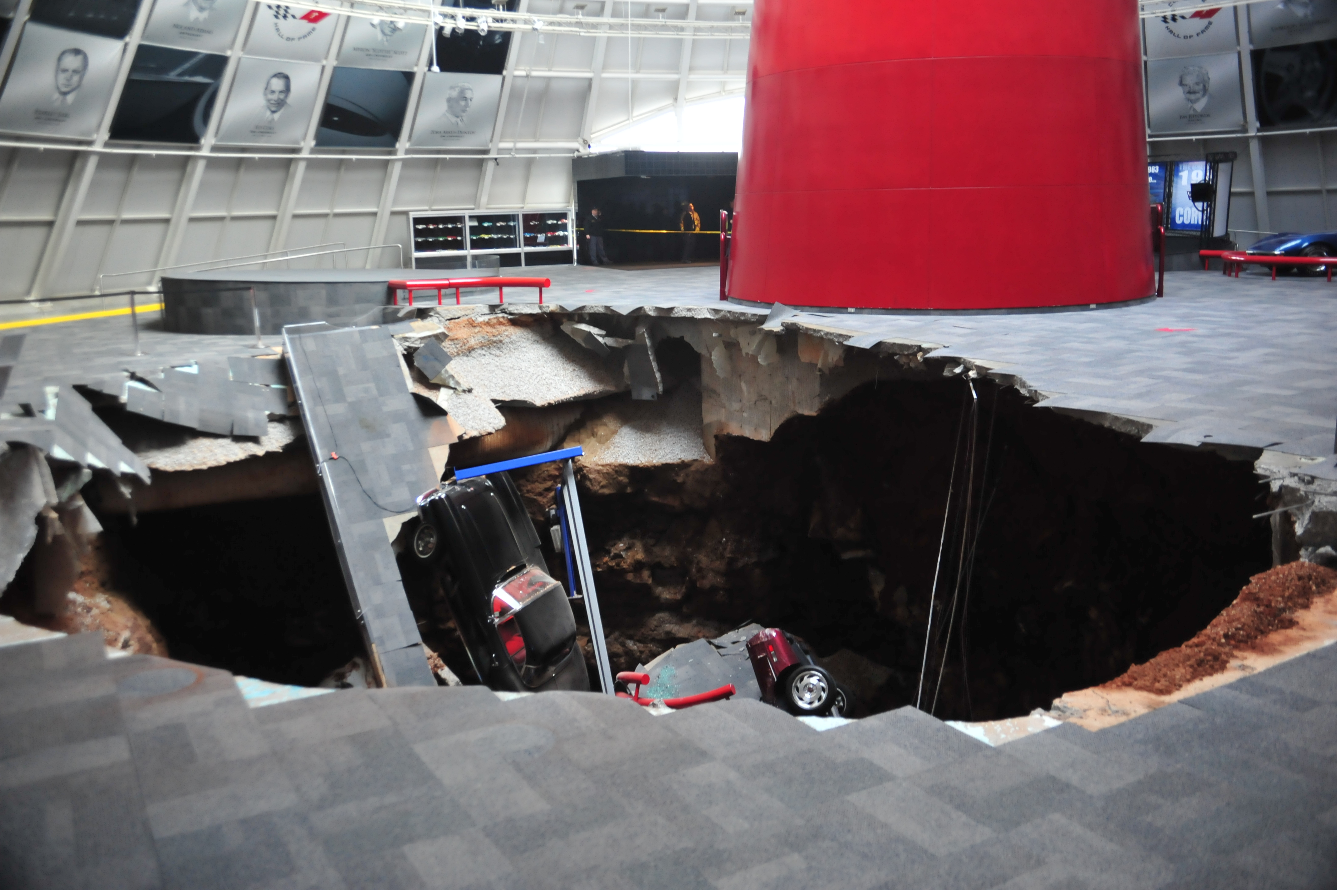 National Corvette Museum >> Sinkhole Swallows Eight Cars In National Corvette Museum In