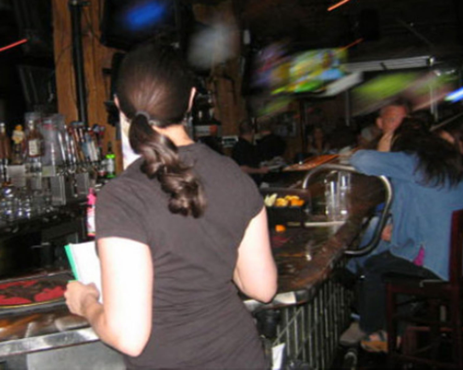 Last call for alcohol stays the same in Colorado, lawmakers