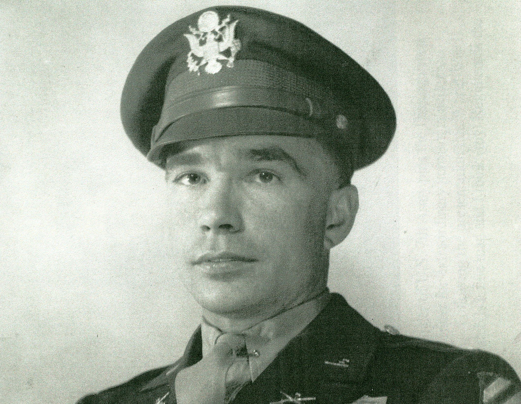 Second Most Decorated Wwii Soldier Won T Get Medal Of Honor Cbs News