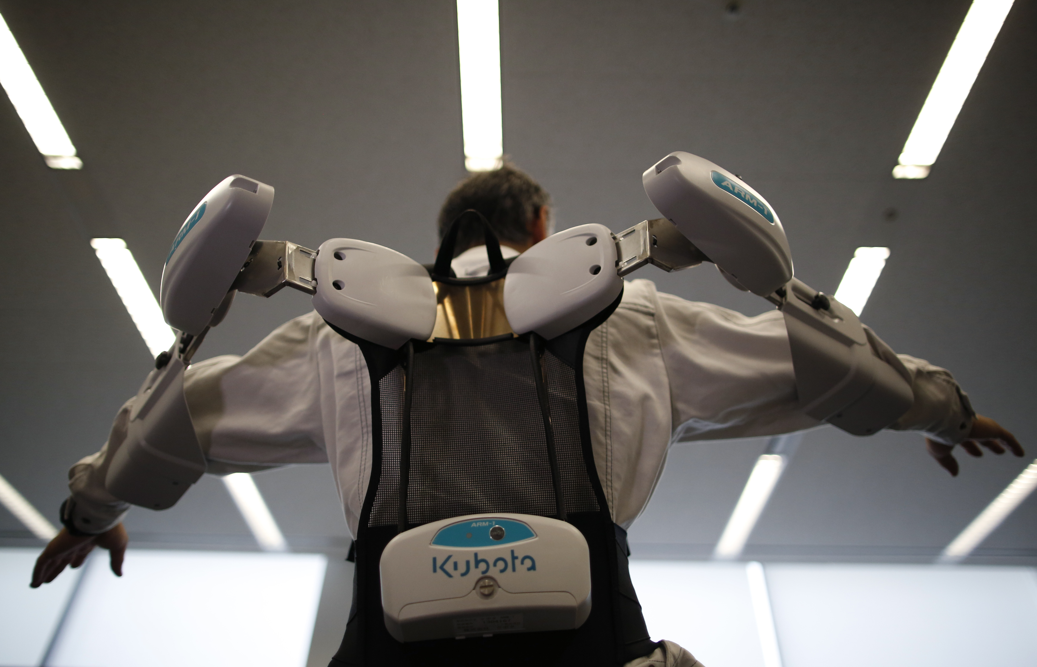 Bionic devices turn humans into superstrong workers