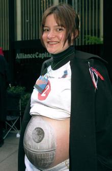 star-wars-fan-death-star-belly-1538910.jpg