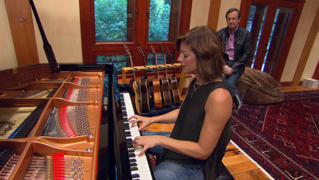 sarah-mclachlan-at-piano-620.jpg