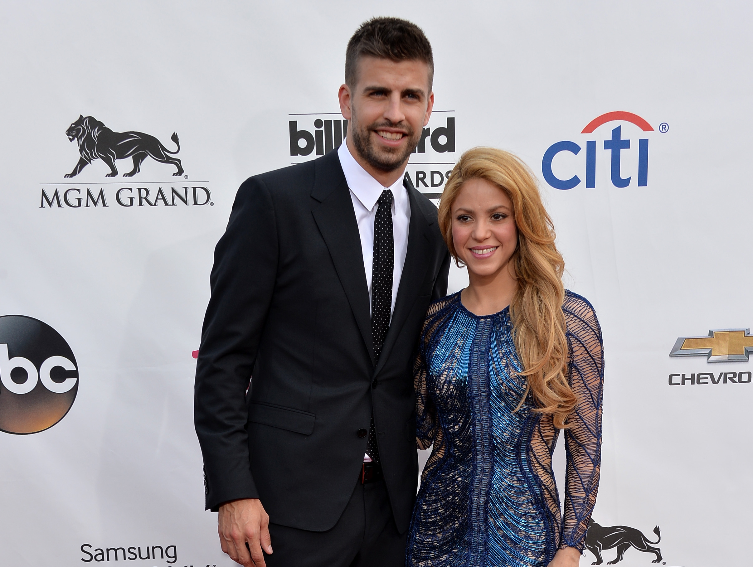 Shakira Supports Gerard Pique's Retirement: Read Her ...  Gerard Pique And Shakira Scandal