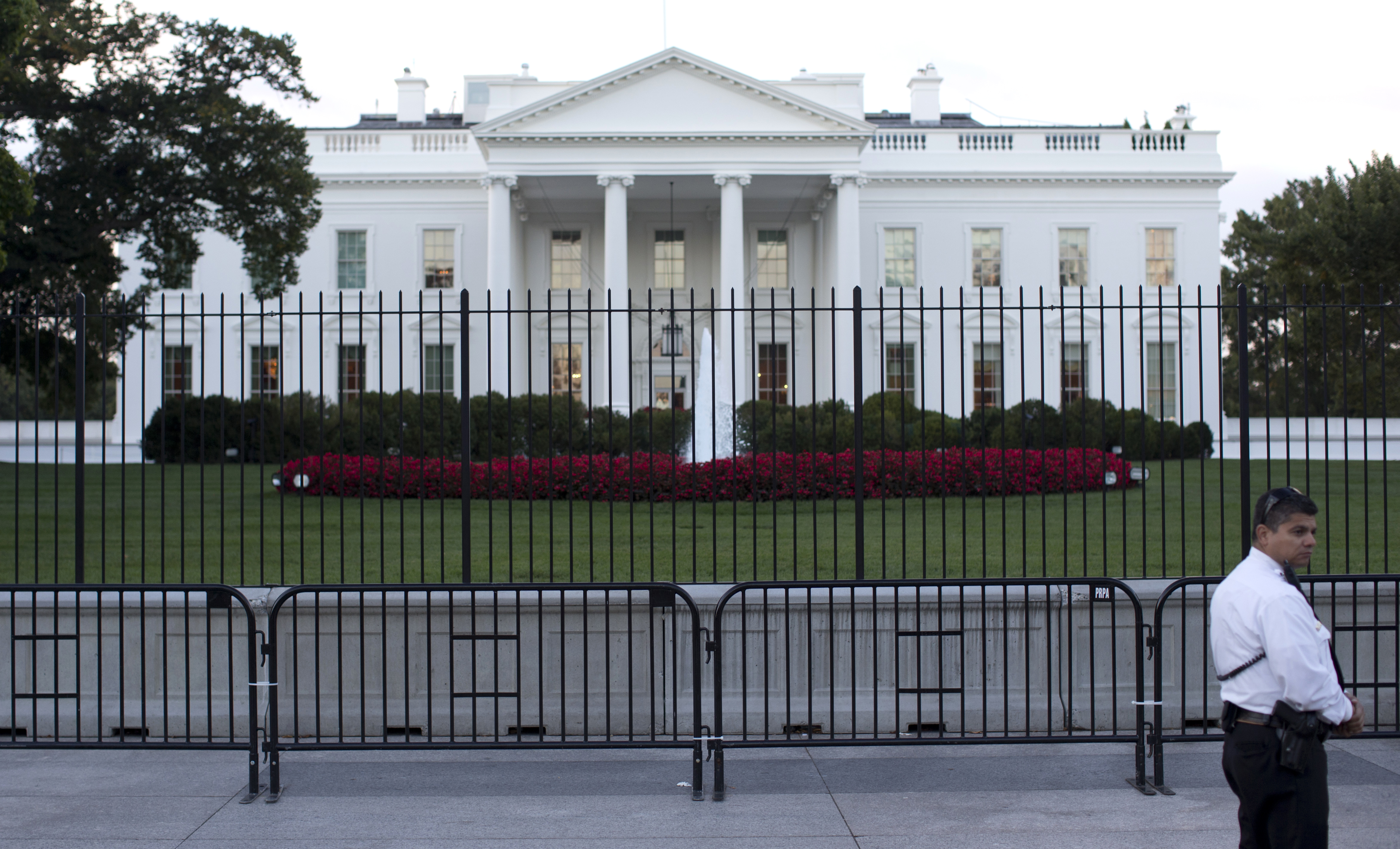 Secret Service erects second barrier after White House fence ... on