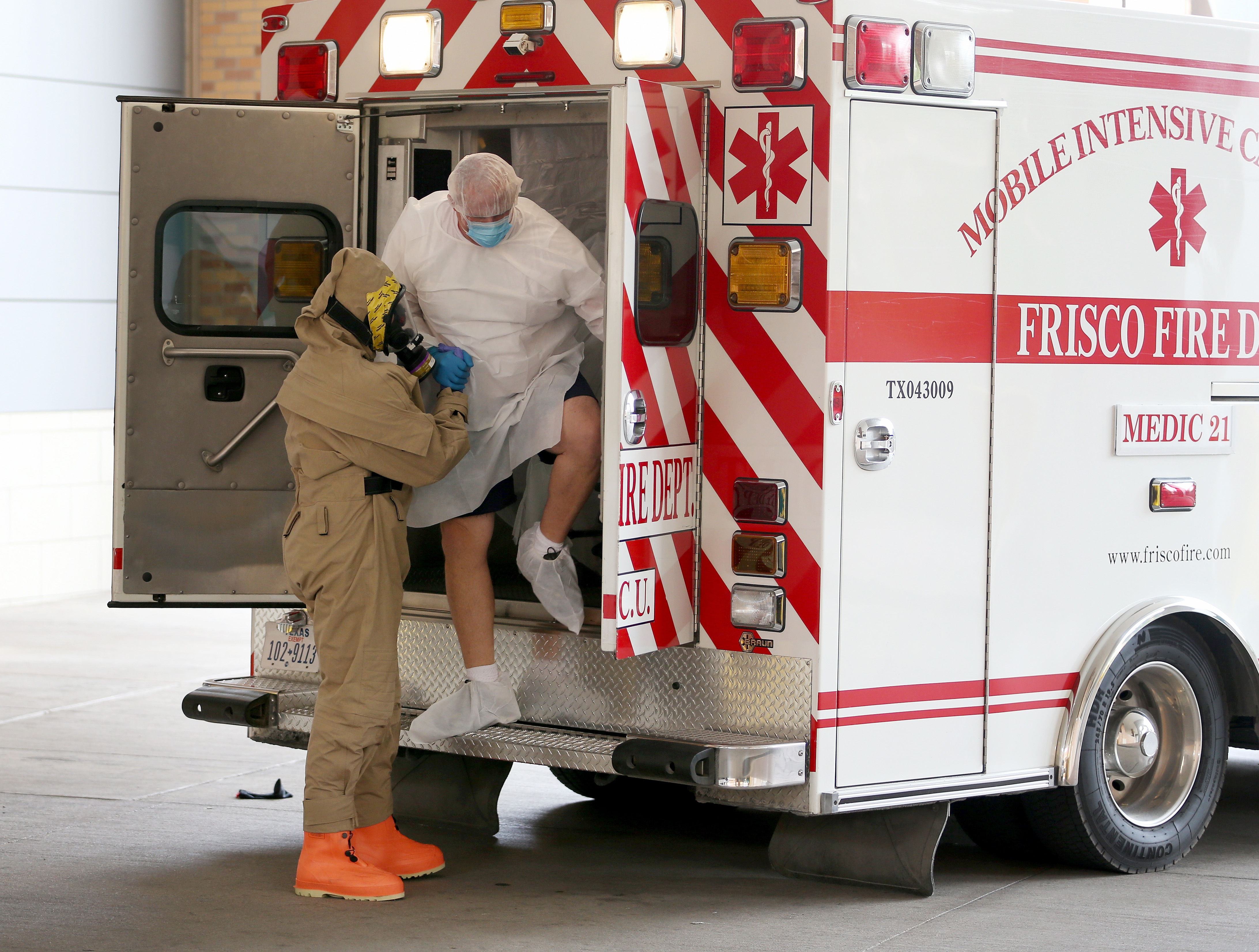 Dallas sheriff's deputy does not have Ebola, health officials say