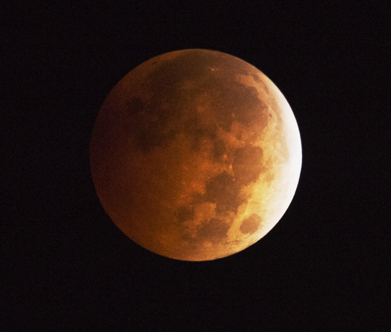 Lunar Eclipse Reveals Rare Blood Moon Cbs News