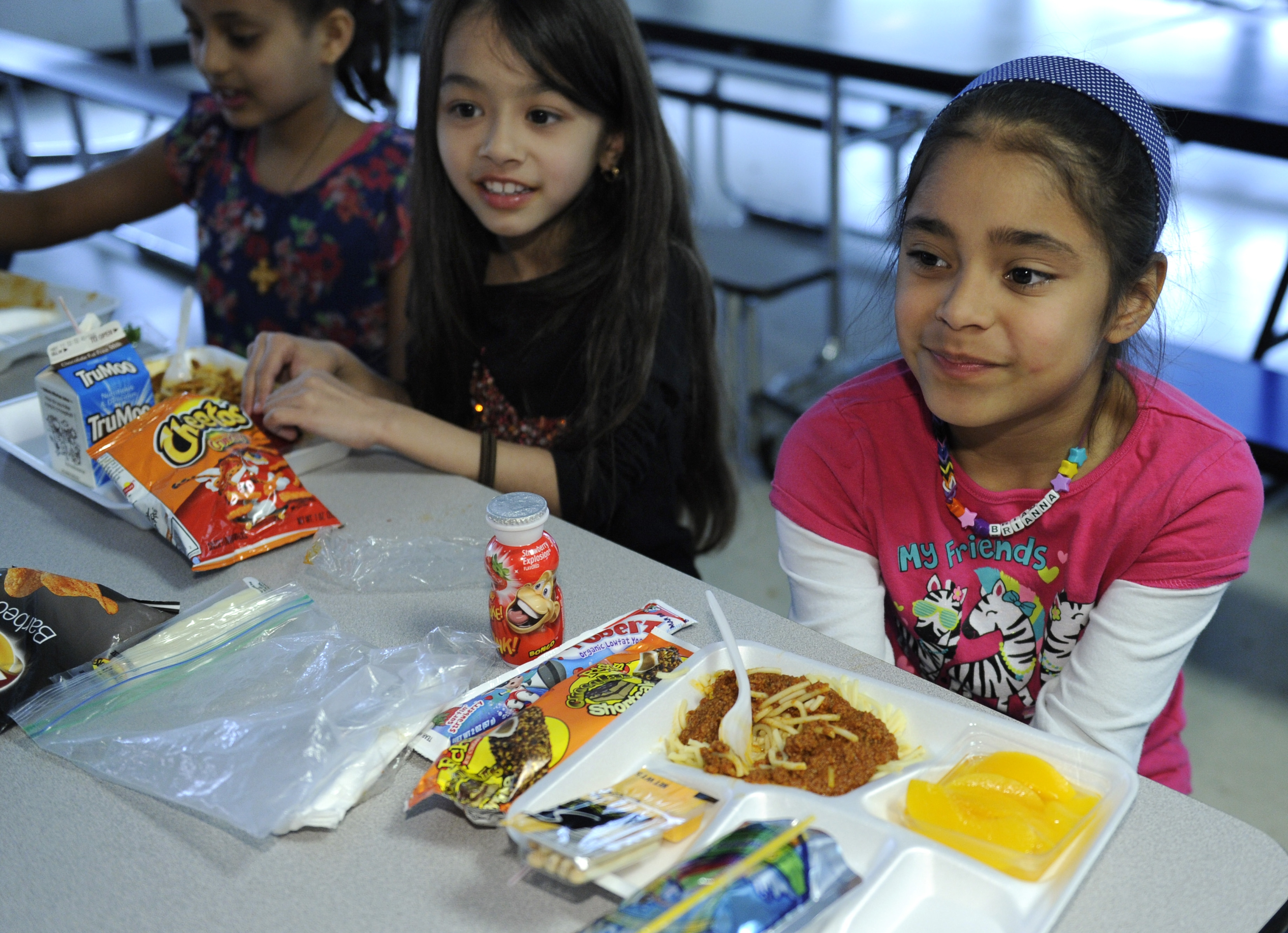 essay on better school lunches The privatization of school lunches in austin has begun today, my colleague  julie chang tells us about a new partnership at o henry middle.