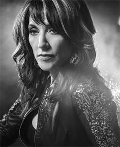 katey-sagal-gemma-teller-morrow-sons-of-anarchy-244.jpg