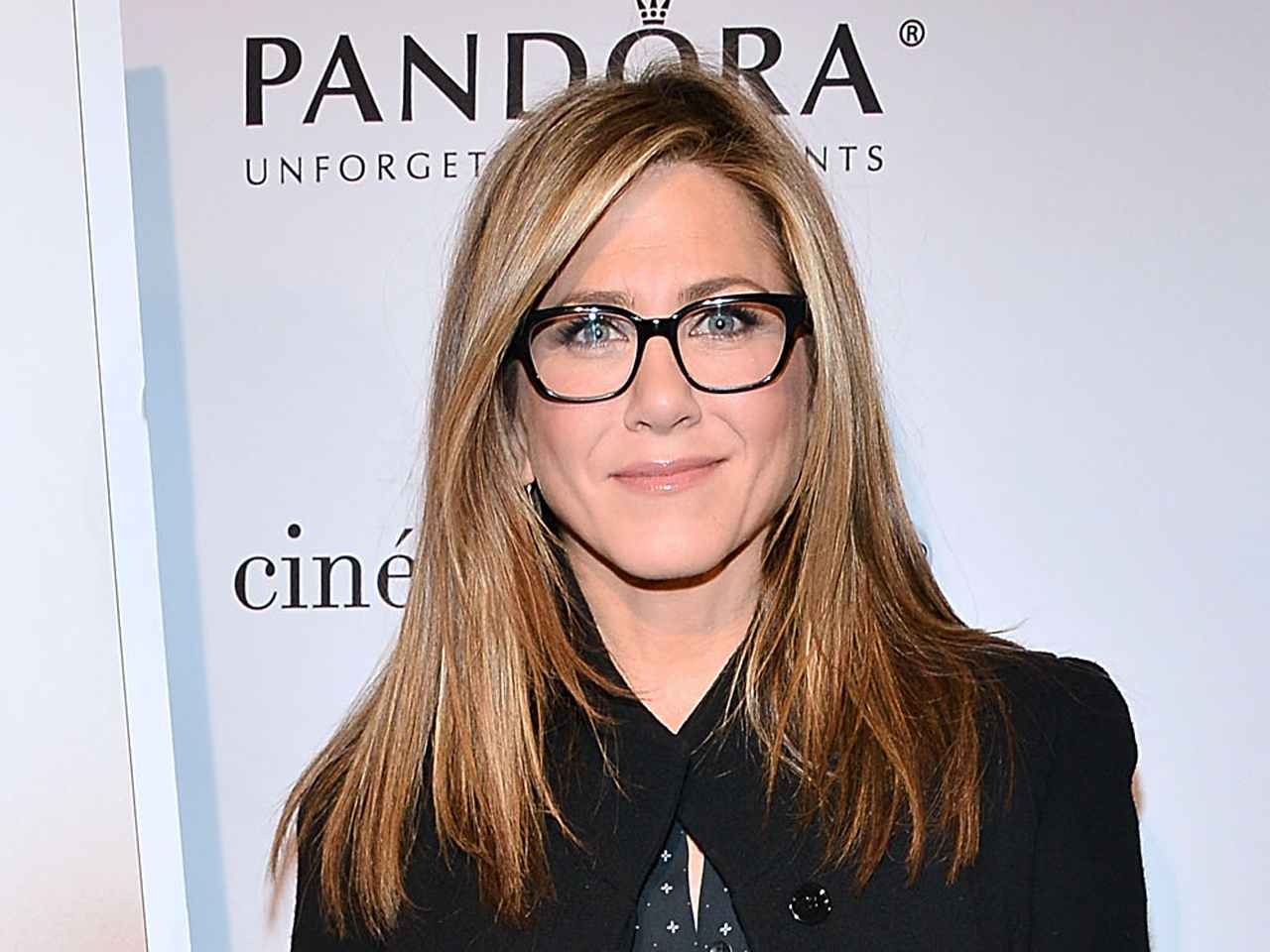 bruce almighty jennifer aniston pictures cbs news. Black Bedroom Furniture Sets. Home Design Ideas