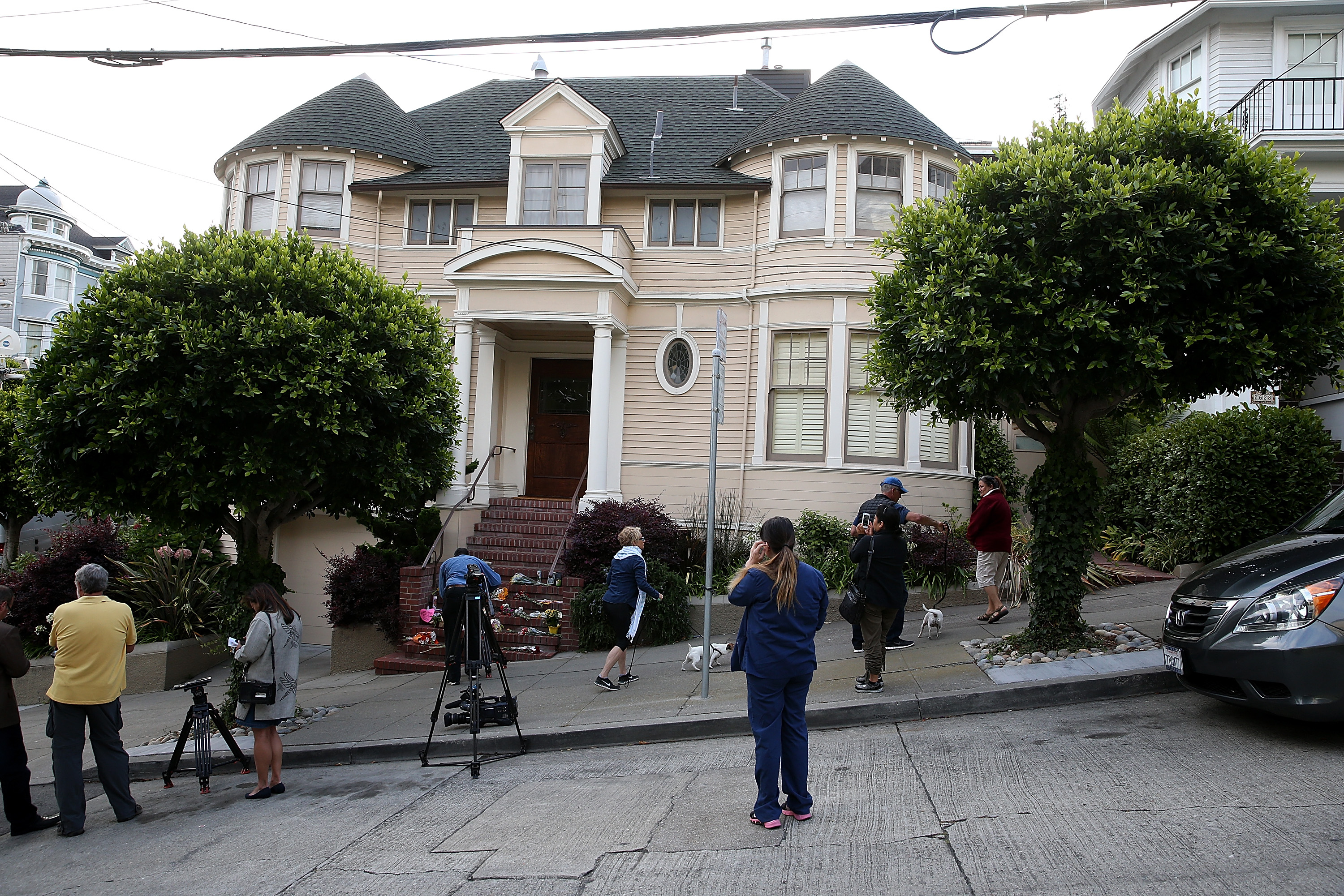 Sf House From Mrs Doubtfire Sells For 45m Cbs News