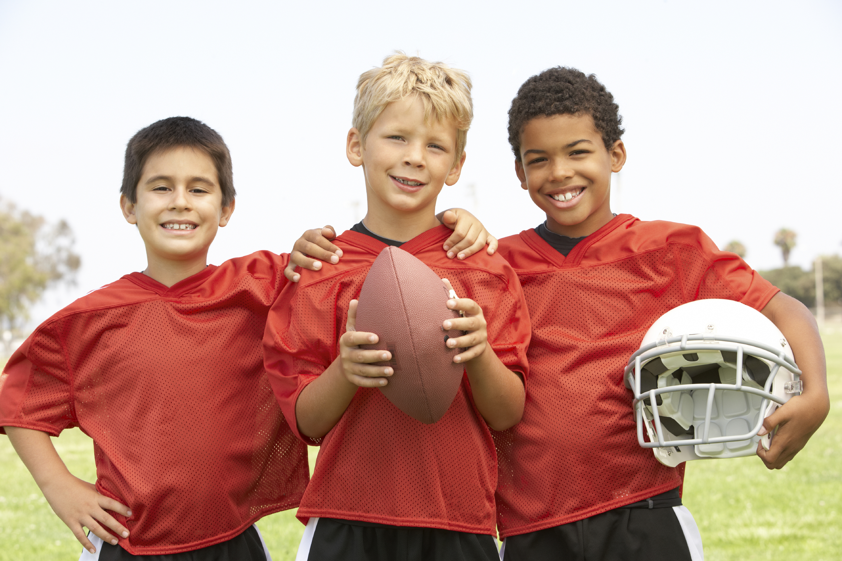 Playing football as a kid increases brain damage risk ...
