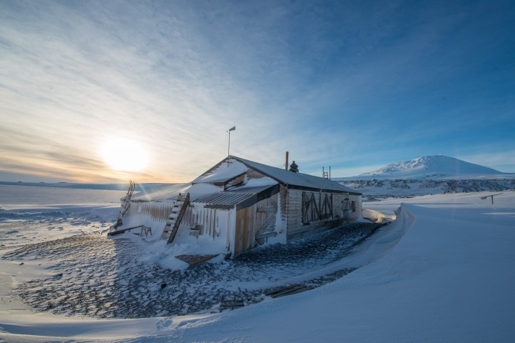 98d43c76a7 Shackleton and Scott's historic Antarctic huts saved from ruin - CBS ...