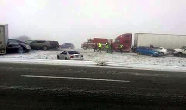 2 deadly pileups close Ohio Turnpike, highways - CBS News