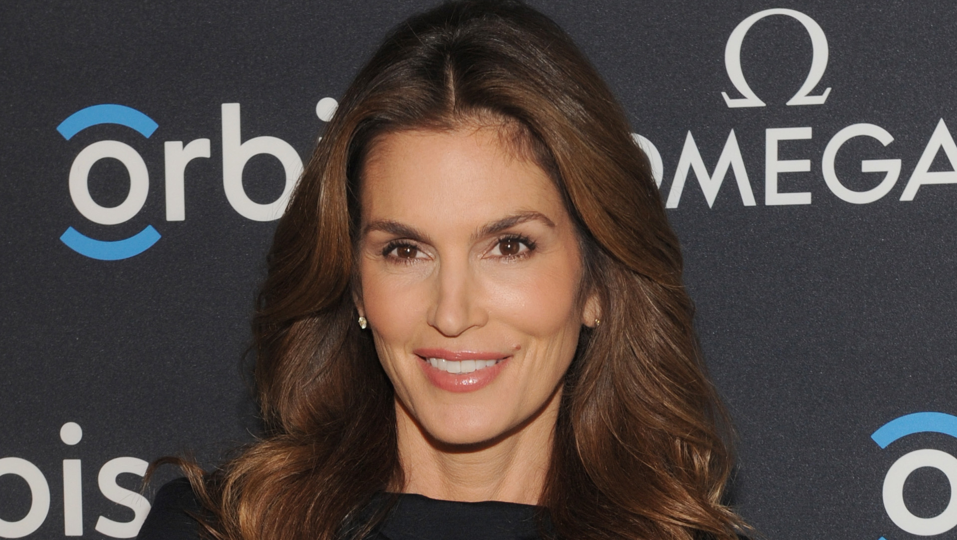 The Unretouched Cindy Crawford Photo Is Fake Says Photographer