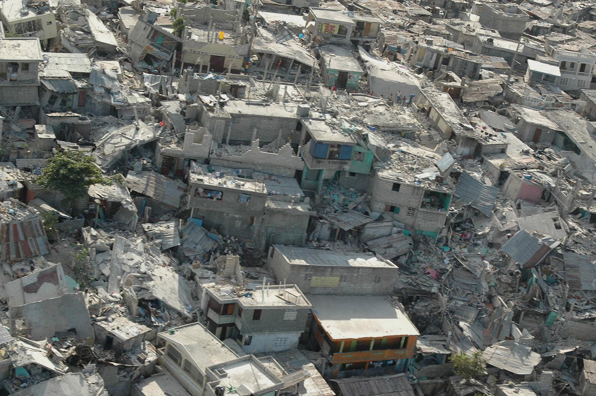 devastating earthquake ravaged haiti - HD 2000×1330