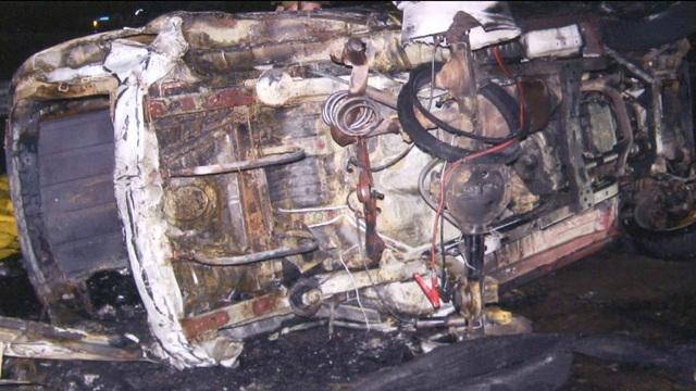 Chrysler, Jeep Recall From Gas Tank Fires Still Raising Safety Concerns    CBS News