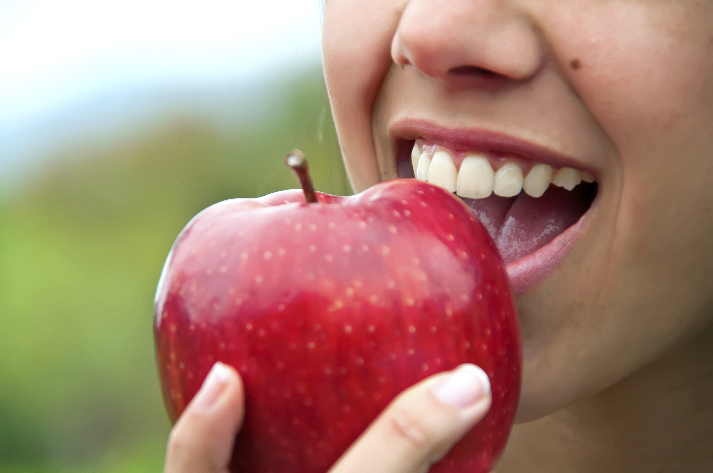 Does an apple a day really keep the doctor away? - CBS News