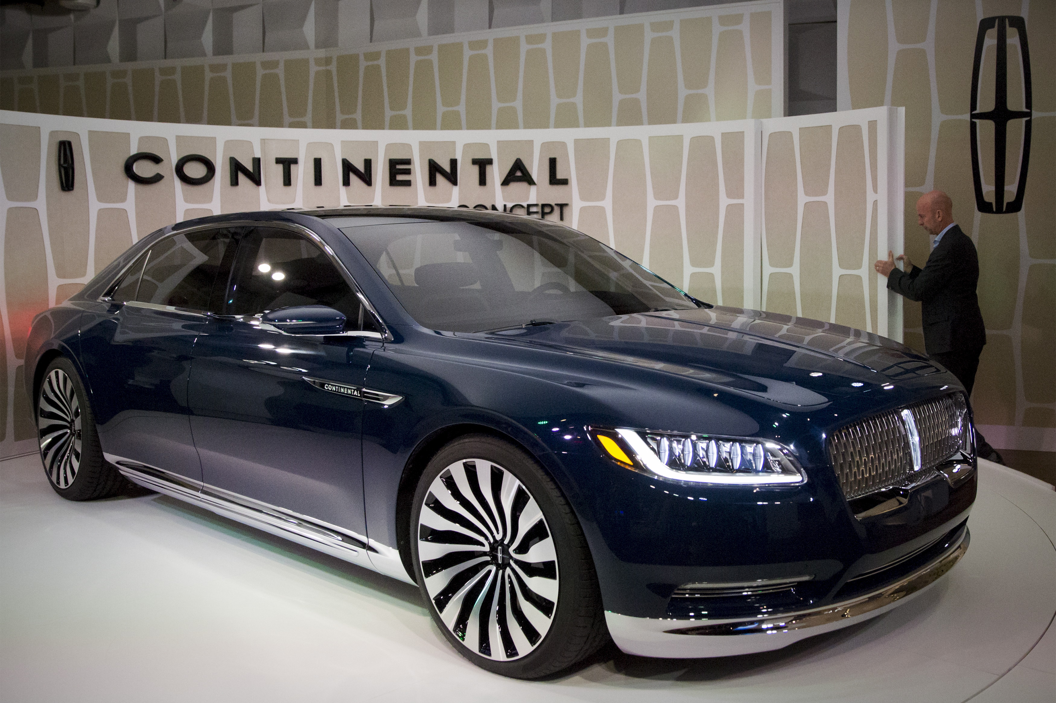 rtr4vi45 Outstanding Lincoln Continental New York Auto Show Cars Trend