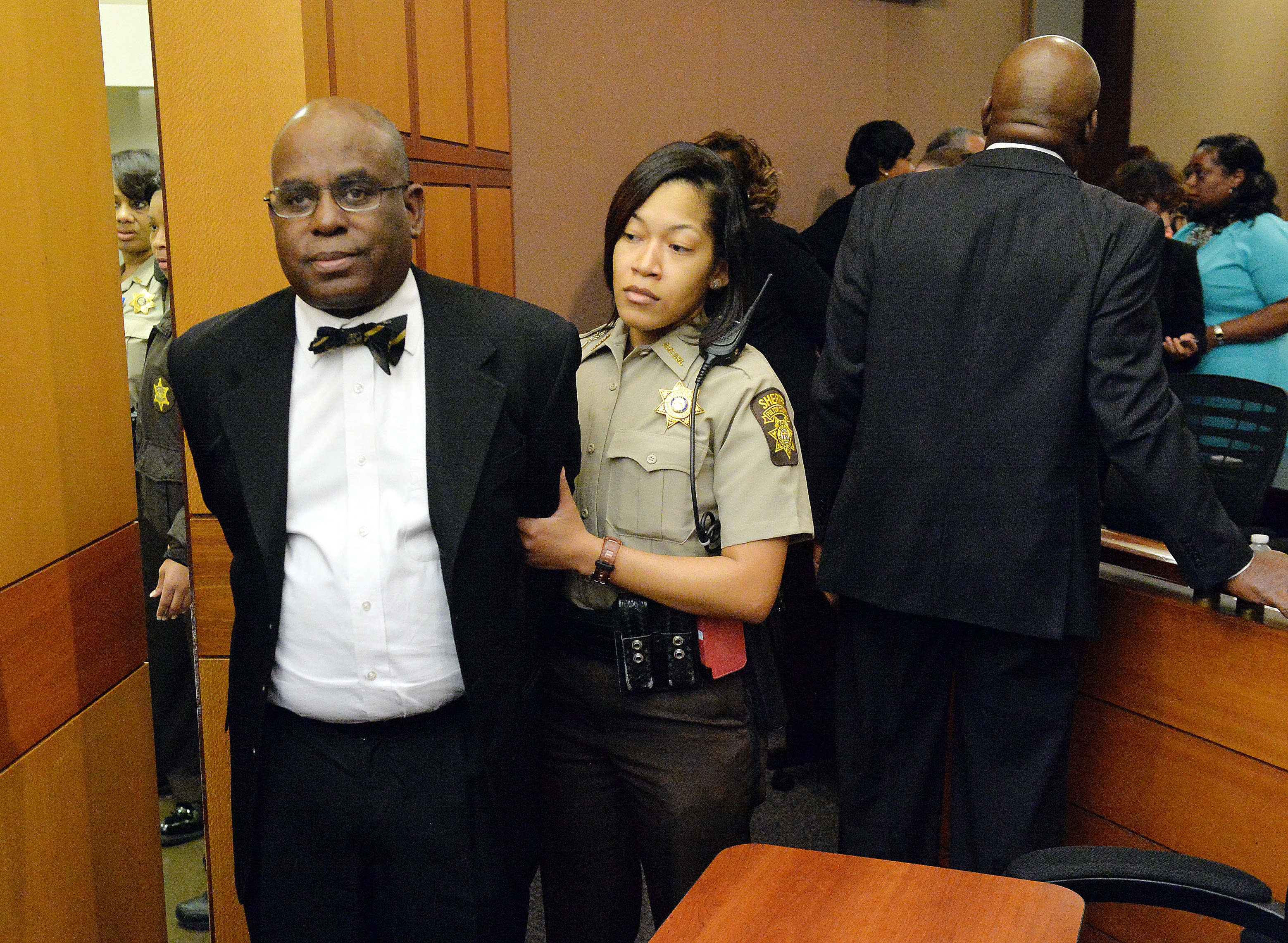 Cheating Case In Atlanta : Atlanta public school cheating scandal former educator accepts