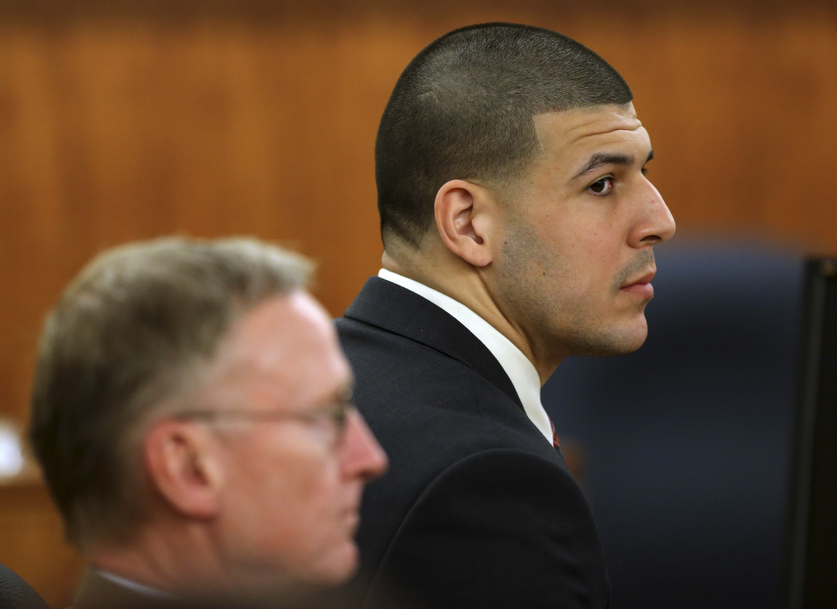 07a0f773ddf Report: Knife found in prison cell of Aaron Hernandez, former NFL ...
