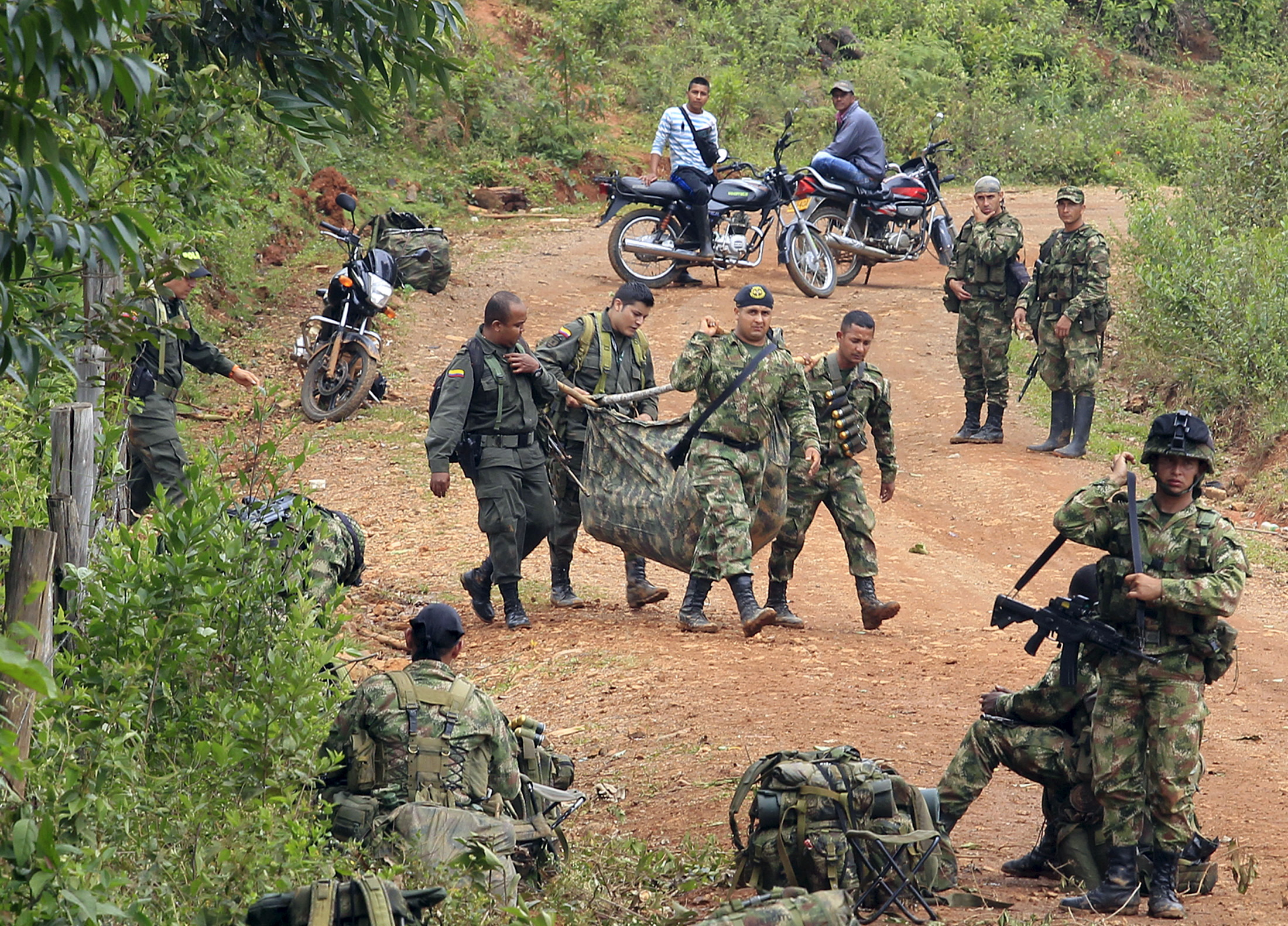 colombia guerrilla and political conflicts essay Colombian conflict executive summary: political violence had been a very significant part of colombian history since the 1940's this violence escaladed in the 1960's due to the creation of many armed revolutionary groups called guerrillas.