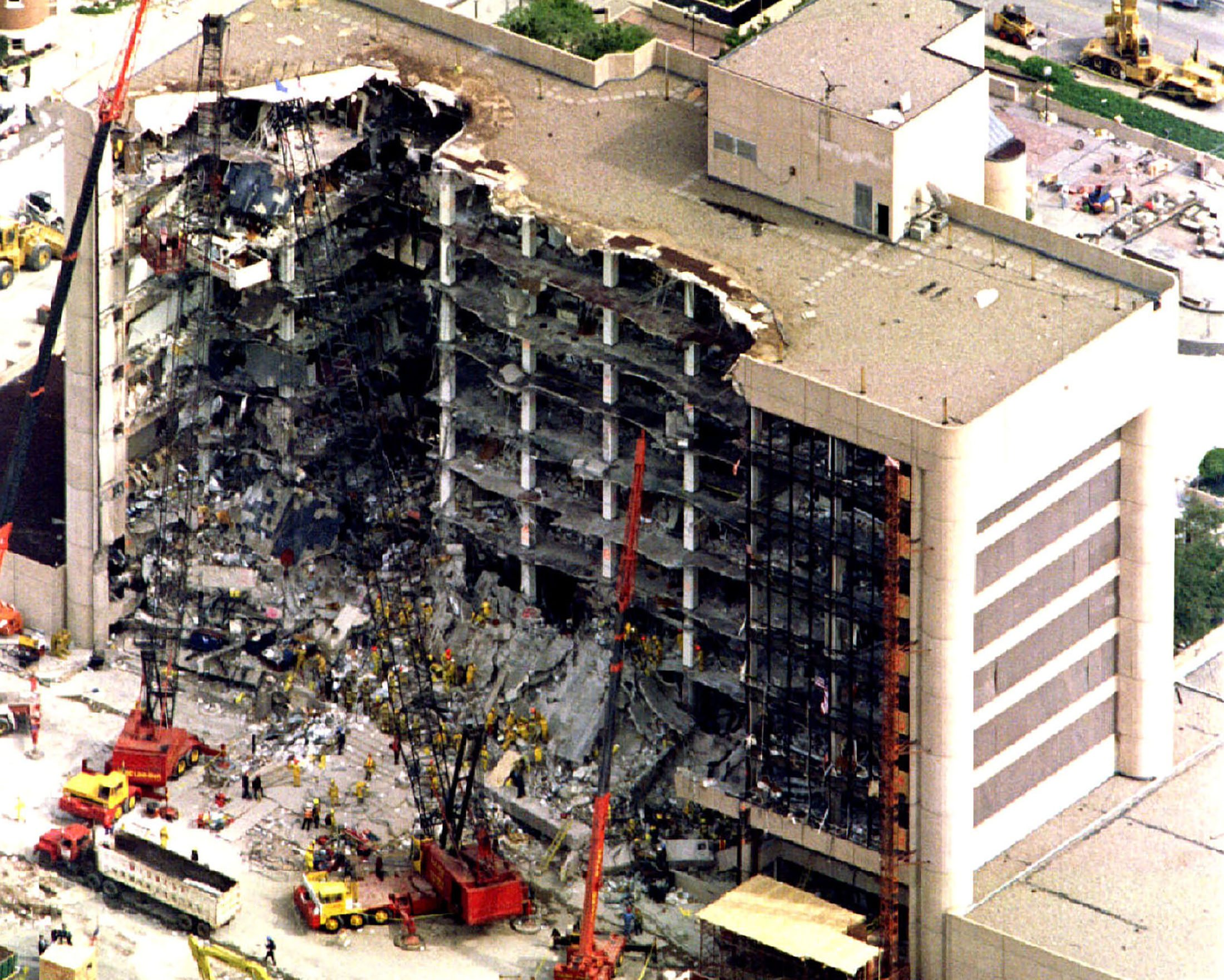 okc murrah building bombing 1995 oklahoma city bombing,murrah building,parallels,elgin blast effects study,investigation,charles key.