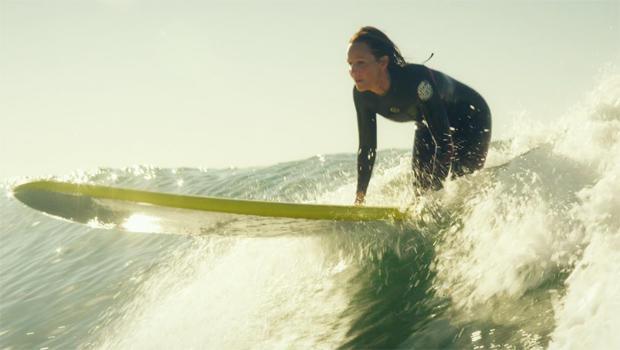 ride-helen-hunt-surfing-620.jpg