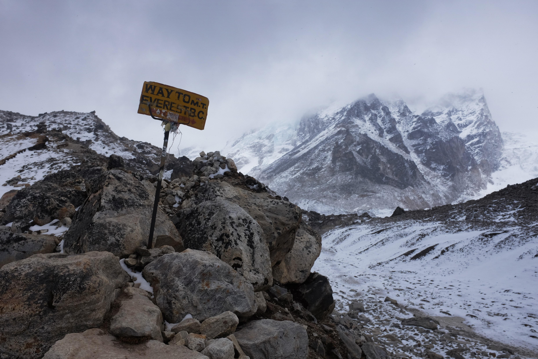 Nepal Earthquake Left Mount Everest Slightly Shorter Cbs