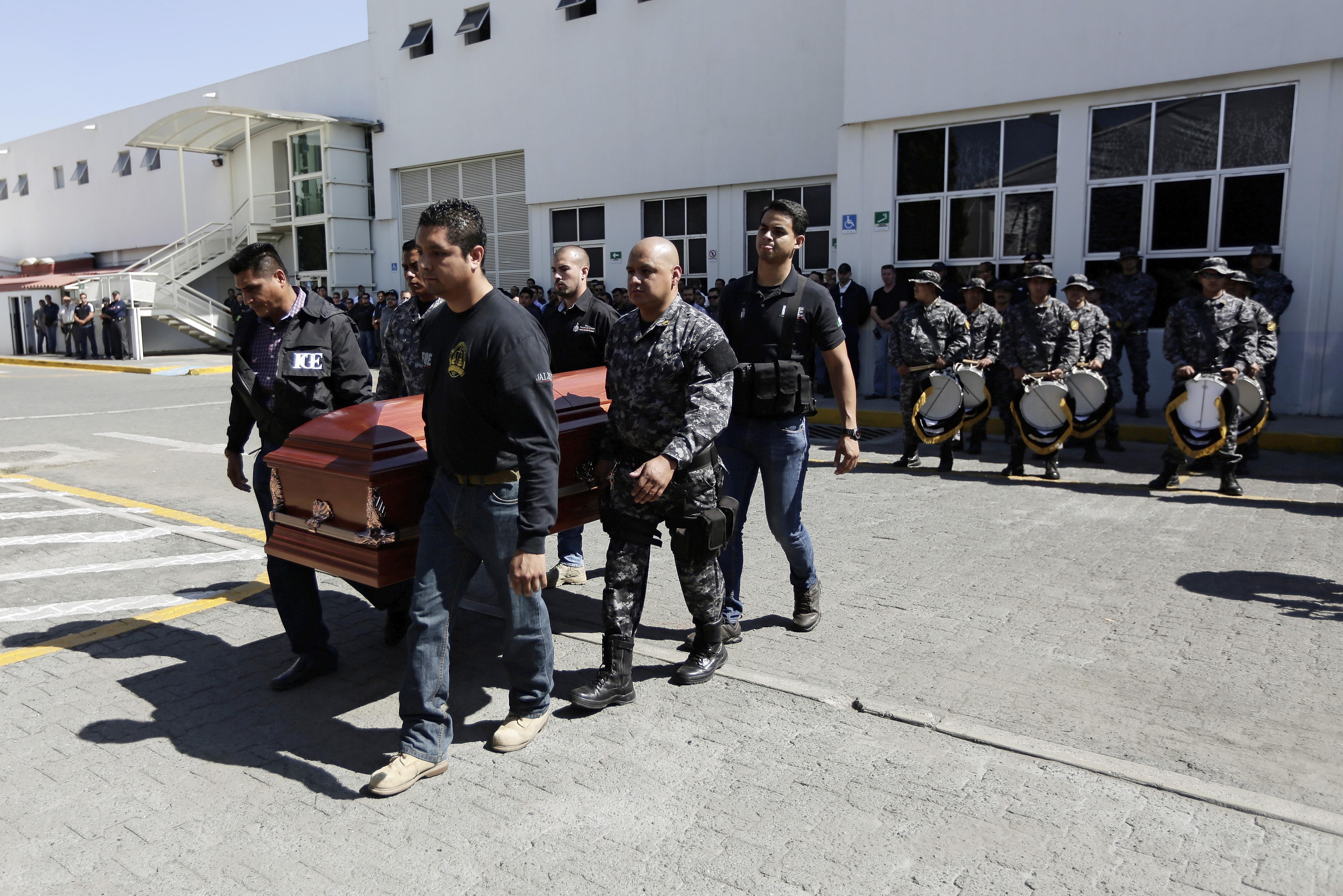 violent new drug cartel alarming authorities in mexico cbs news. Black Bedroom Furniture Sets. Home Design Ideas