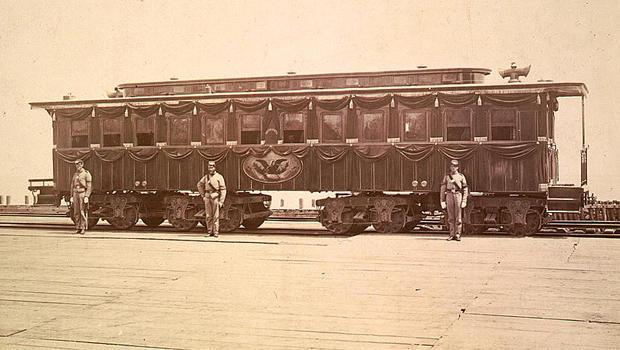 lincoln-funeral-car-original-620.jpg