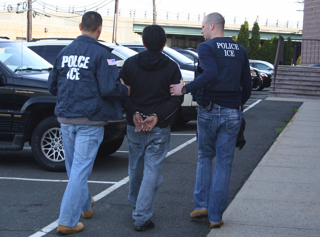 How big a problem is crime committed by immigrants? - CBS News